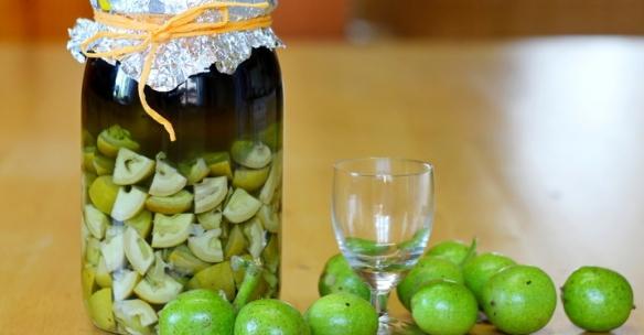 настой зеленого грецкого ореха